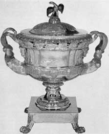 Presentation urn made in 1825 by Fletcher and Gardiner of Philadelphia and given to Gov. DeWitt Clinton by New York City merchants.
