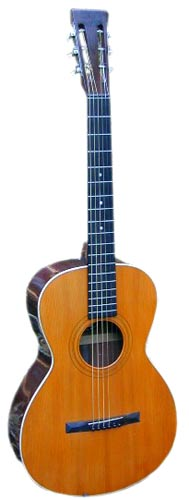Howe-Orme guitars, such as this 2535 model, are rarer than other types of Howe-Orme instruments.