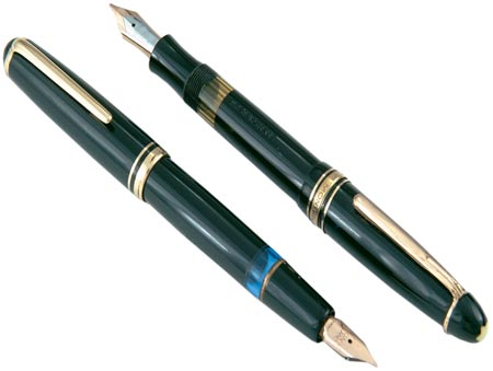 """This Montblanc No. 256 store display pen, marked """"Unverkauflich"""" (""""not for sale"""") is also from the collection of Barry Gabay. Photo courtesy of """"Pen World."""""""