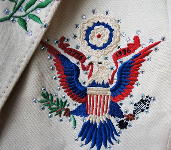 nudie-cohn-Lenny-Dee-bicentennial-suit-detail-1