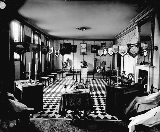 View of a room at the Masonic Hall in Bury St. Edmunds, Suffolk, England, circa 1900. Courtesy of the Bury St. Edmunds Past and Present Society, Spanton Jarman Collection.