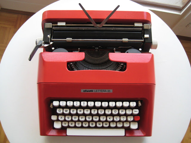 Rita Wilson, Tom Hanks' wife, sold a red Olivetti Lettera 25 to benefit L.A.'s Shakespeare Center earlier this year. The Olivetti Lettera 35 above was custom-painted, via Retro Tech Geneva.