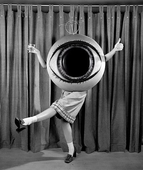 halloweenwear-vintage-eyeball-costume & 20 Halloween Costumes So Unsexy Theyu0027re Downright Scary ...