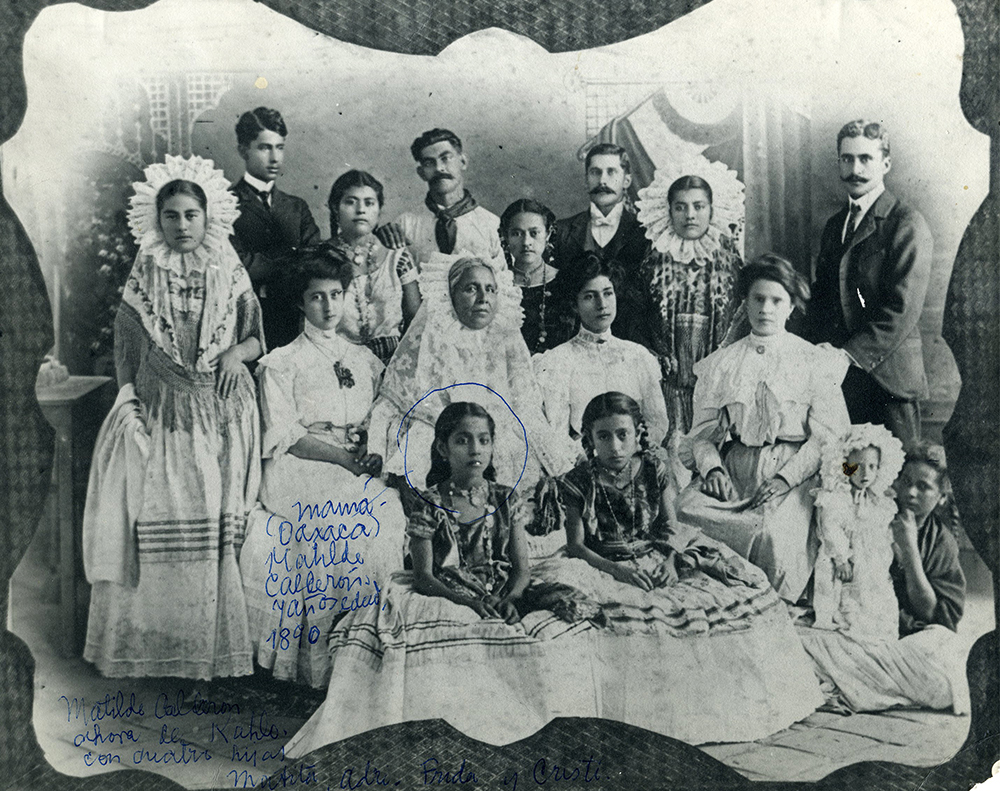 This Portrait From 1890 Shows Kahlos Maternal Family Wearing Tehuana Style Clothing Fridas Mother