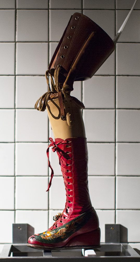 Frida's stunning prosthetic leg from 1953, finished with a red leather platform boot. Photo by Miguel Tovar.