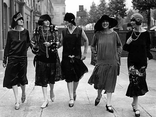 In the 1920s, fashionable drop-waist dresses fit loosely and brushed the knees, as these five women reveal.