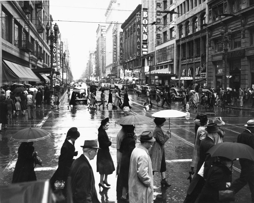 The bustling neighborhood around Clifton's Brookdale (second building from the right), seen in its 1930s heyday.