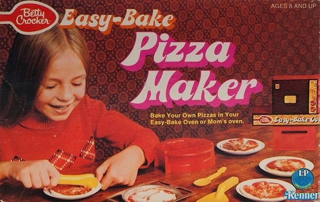 An early Easy-Bake pizza set, with Betty Crocker branding. (Courtesy of Todd Coopee)