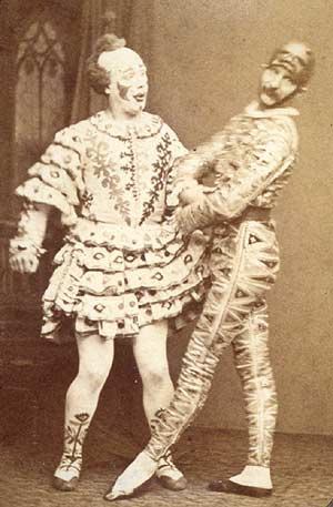 A 1870 photo of British duo the Payne brothers as Clown and Harlequin. (Via WikiCommons)