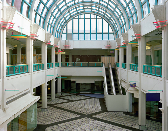 "A Flickr snapshot of a ""dead mall"" with an empty anchor store. (Via DeathandTaxesMag.com)"