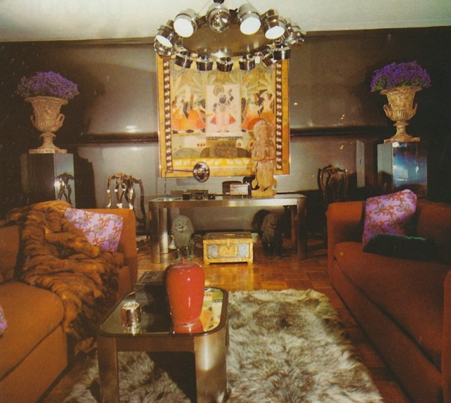 "Often, D'Arcy model rooms for Bloomingdale's would combine many different styles, including Modernist and traditional furnishings. (Via ThePeakofChic.blogspot.com, from Barbara D'Arcy's ""Bloomingdale's Book of Home Decorating"" from 1973)"