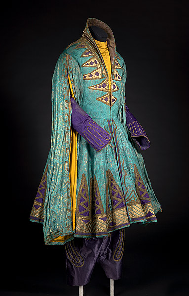 "Léon Bakst designed this costume for the character Shah Zeman in the 1910 ballet ""Scheherazade"" by Ballets Russes. (Via the National Gallery of Australia)"