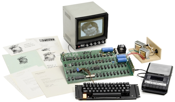 "This Apple I computer from 1976 that's still in working order sold for $671,400. (Via ""Mantiques"")"