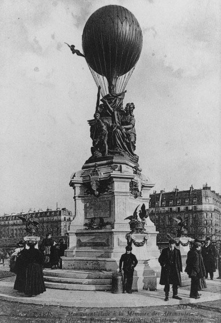 In 1906, a monument was dedicated to the balloonists, pigeons, and microphotographs that made communication possible during the 1871 Siege of Paris. The memorial was destroyed during World War II.