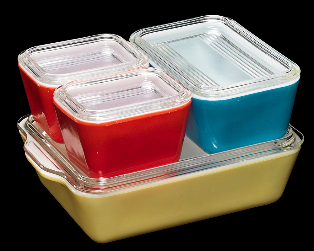 Primary Color refrigerator dishes by Pyrex, circa 1950s. Courtesy the Corning Museum of Glass.
