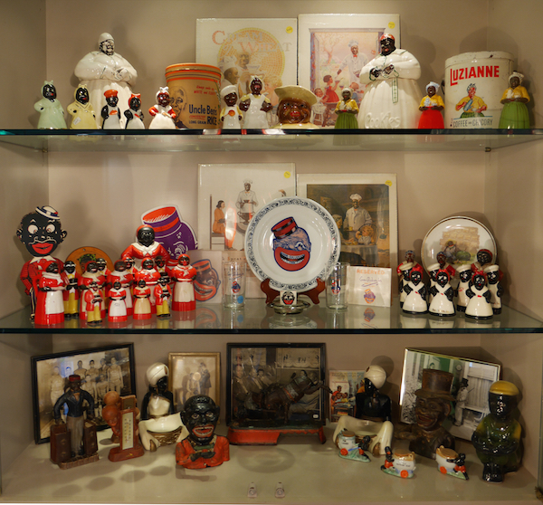 anitapointer_collection_collectiblesshelf
