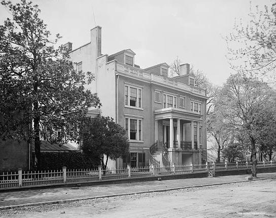 The Van Lew mansion in Richmond, circa 1905. (Via Library of Congress)