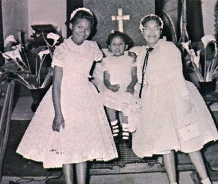 From left, Ruth, June, and Anita attend a church service in 1956. (Via ThePointerSisters.com)