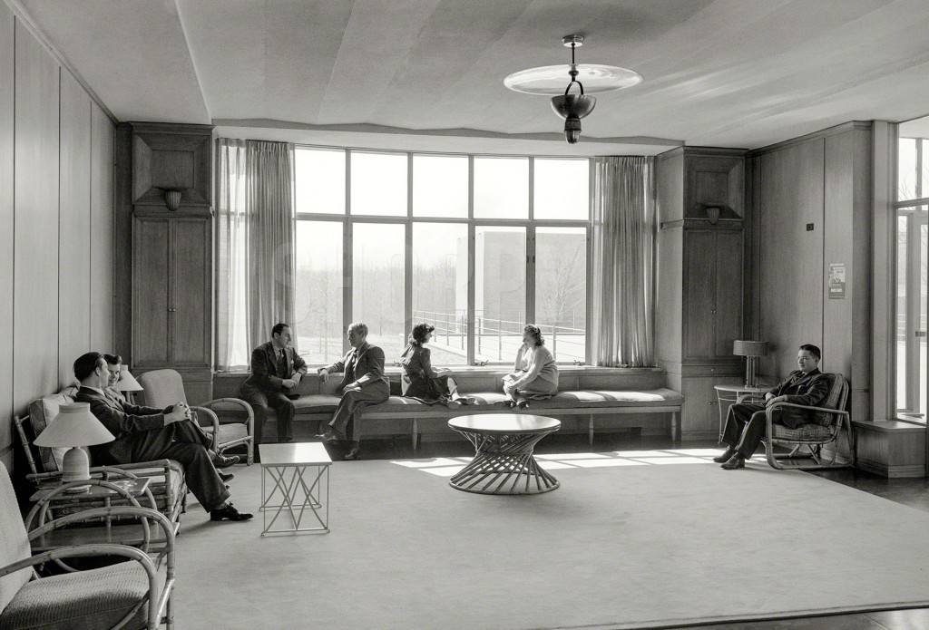 A stylish employee lounge at Bell Labs in New Jersey, 1942. Via Shorpy.
