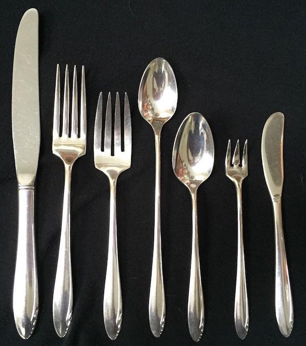 oneida_silverware_heirloomsterling_lastingspring_1940s_ebay