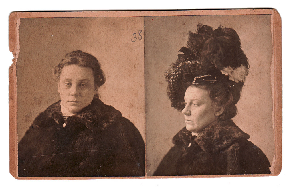 A doubleview cabinet-card mugshot from 1899.
