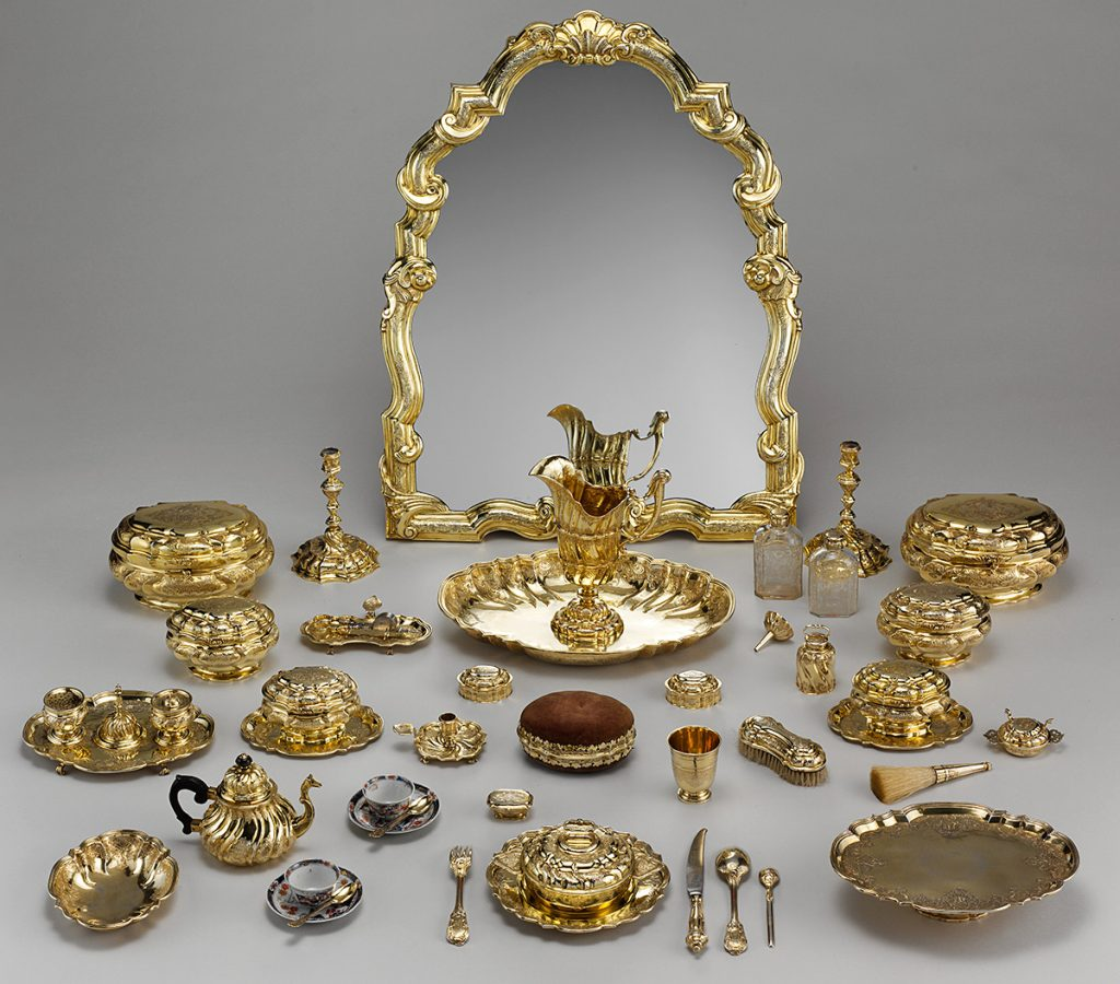 A complete toilette set in gilt-silver and porcelain made in Germany, c. 1743–45. Via the Metropolitan Museum of Art.