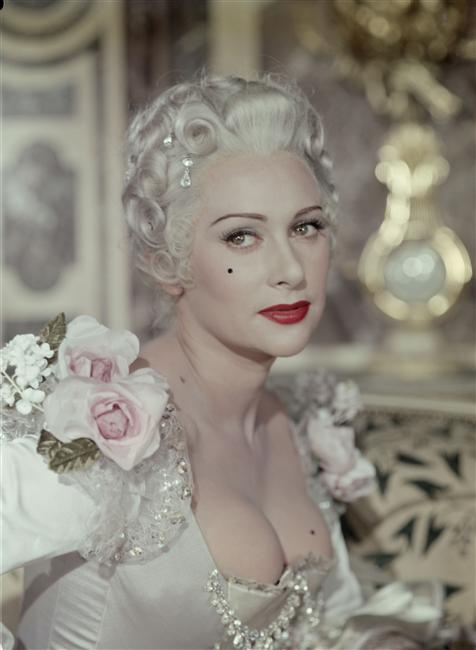 Martine Carol wore obvious beauty patches in her title role of the 1954 film