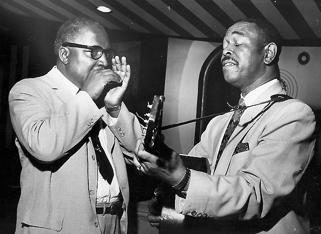 The biggest early influence of Charlatans guitarist Mike Wilhelm, was Brownie McGhee (right), seen here at the Marquee Club in London with his partner, harmonica player Sonny Terry. Via the Chris Barber LP Collection.