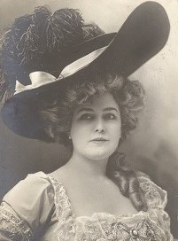 Lillian Russell in her trademark hat. (Via The Bowery Boys)