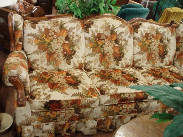 grandma_ptburnem_early-american-sofas-945x709