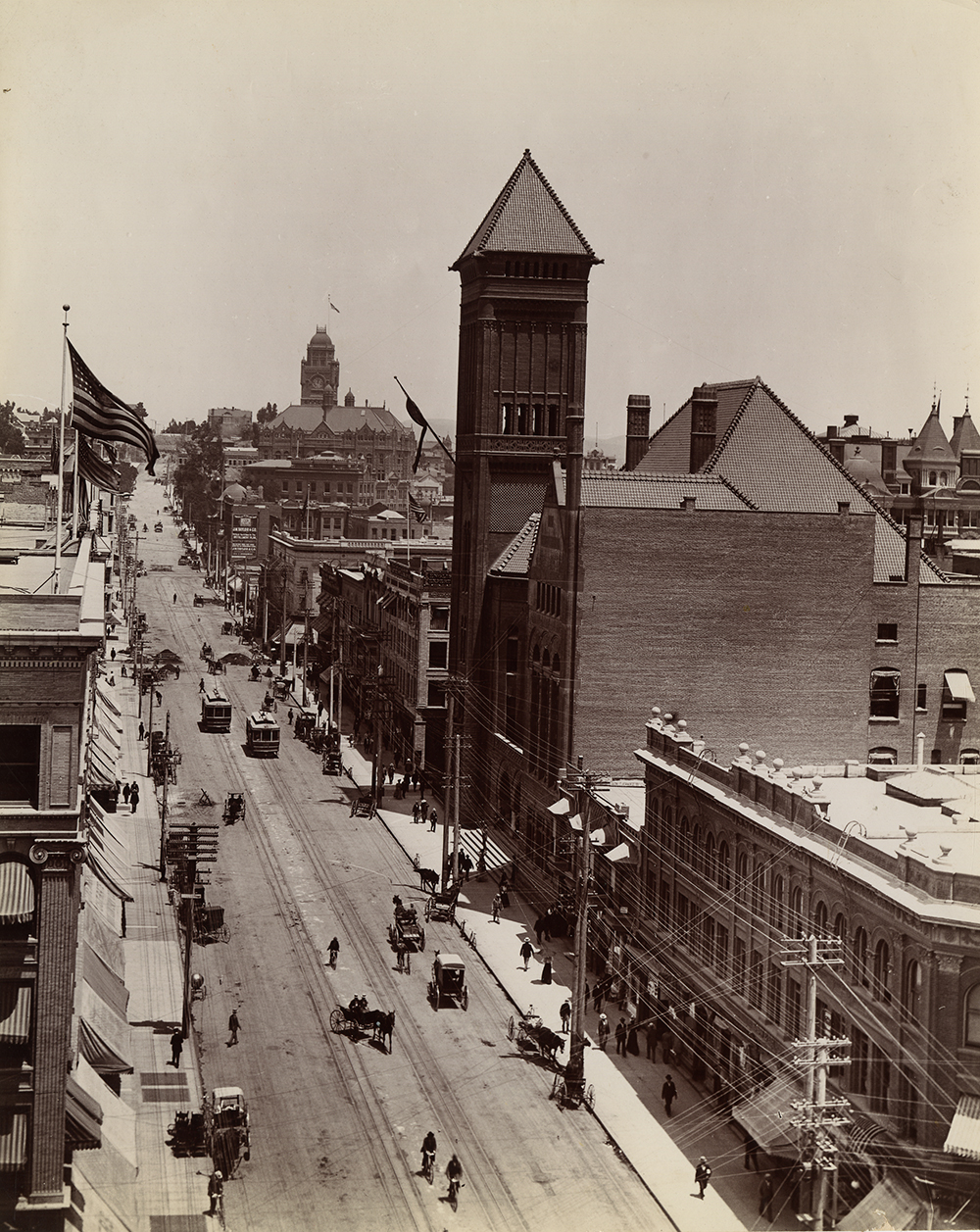 Looking north up Broadway from 3rd Street in downtown Los Angeles, photo taken by Putnam and Valentine. Courtesy the California Historical Society. (Click to enlarge)