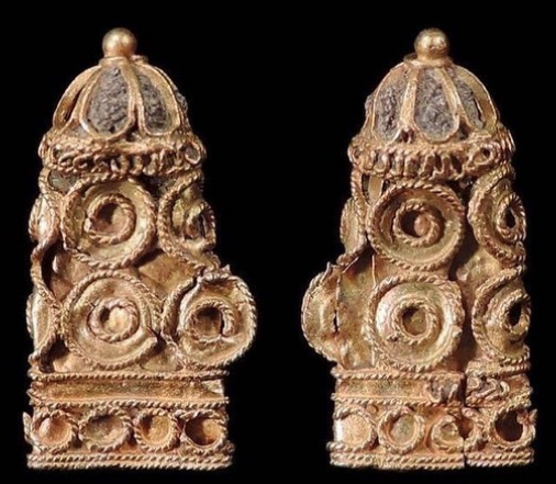 A small 16th-century lace aglet or end cover that would have decorated the sleeve or doublet of a wealthy gentleman, found by Maiklem and donated to the Museum of London. Courtesy Lara Maiklem.