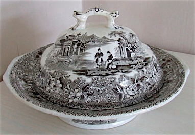 Scenes of exotic places such as the Bosporus Strait in Turkey (seen here) were common to Patterson and other 19th-century transferware potteries.